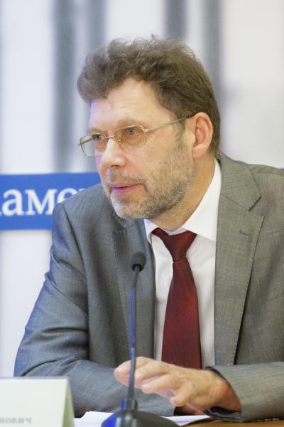Андрей Дёмин: Необходимо заняться политикой ценообразования налекарственные средства