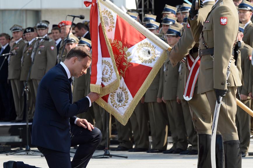 Новый президент Польши обещает потрясти либеральные основы