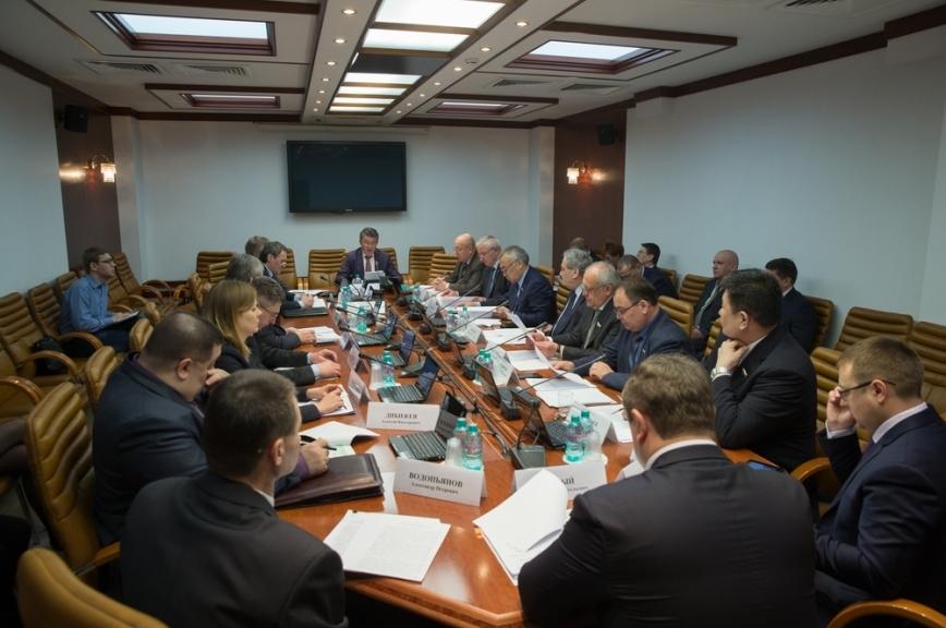 Комитет Совфеда пообороне одобрил преференции дляветеранов приприёме в вузы