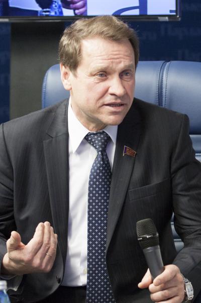 Александр Тарнаев: Необходимо повышать престиж военной службы