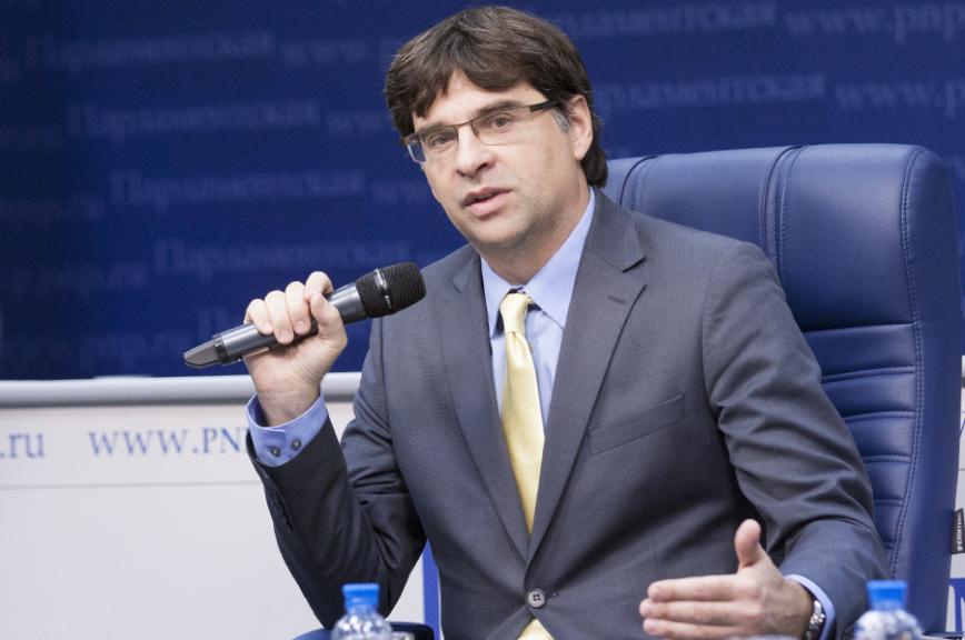 Глава Конфедерации защиты прав потребителей призвал дать европейцам безвизовый въезд в Россию
