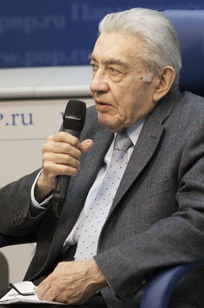 Полад Полад-Заде: Сегодня стоит исходить изтого, что вода ещё долго небудет поступать вКрым по Северо-Крымскому каналу