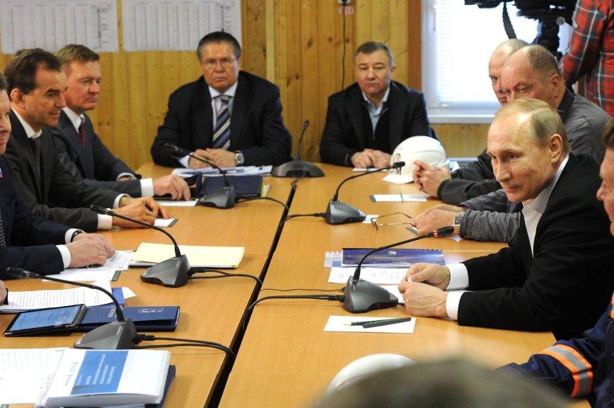 Путин назвал строительство Керченского моста «исторической миссией»
