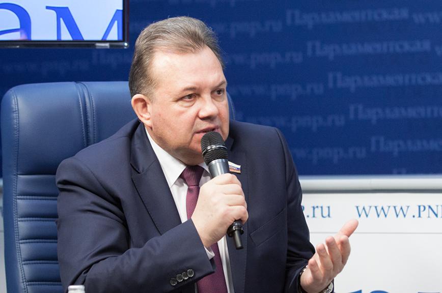 Сенатор Павленко призвал местные власти поддерживать инициативы граждан по благоустройству