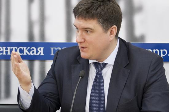 Российского сенатора пригласили выступить передкорейскими студентами