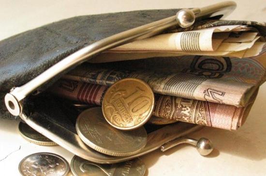 Минтруд и Росстат уверяют, что жизнь вРоссии стала дешевле