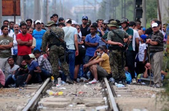 В Македонии введён режим чрезвычайной ситуации из-занаплыва беженцев