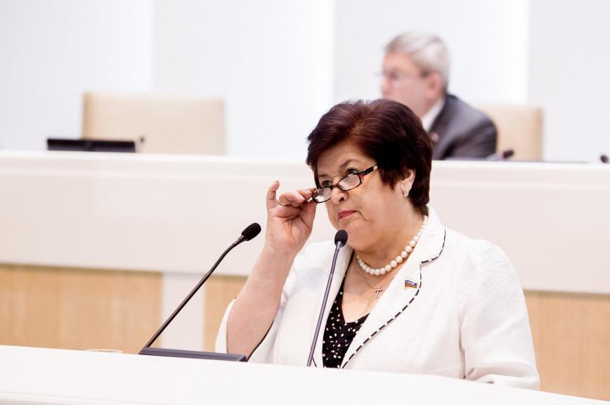 В Совфеде призвали искать компромисс ввопросе обеспечения лекарствами больных средкими диагнозами