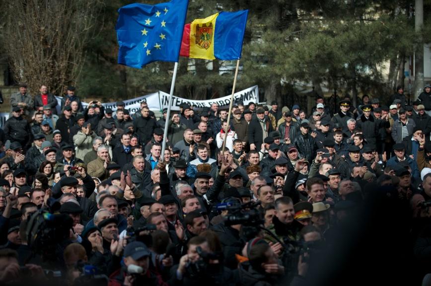 НАТО повторит вМолдавии сценарий  «цветной революции»?