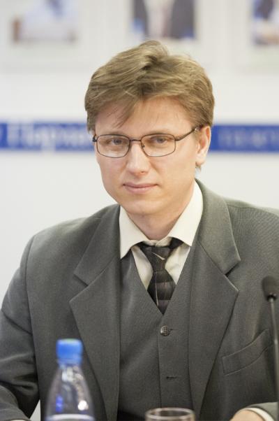Руслан Ткаченко: Воспринимаю материнский капитал как меру поддержки многодетной семьи