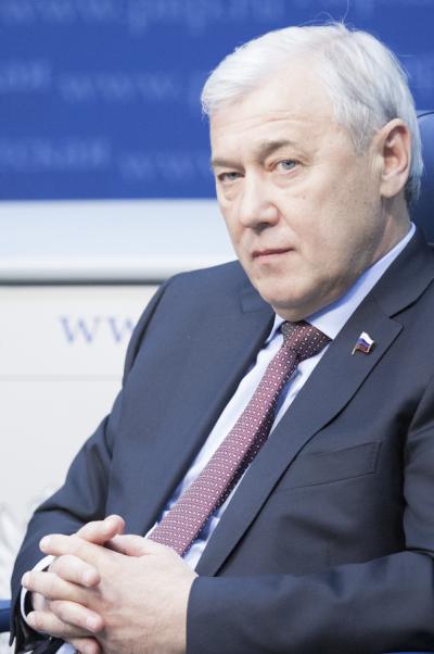 Анатолий Аксаков: УЭК должна конкурировать скартами Visa и MasterCard