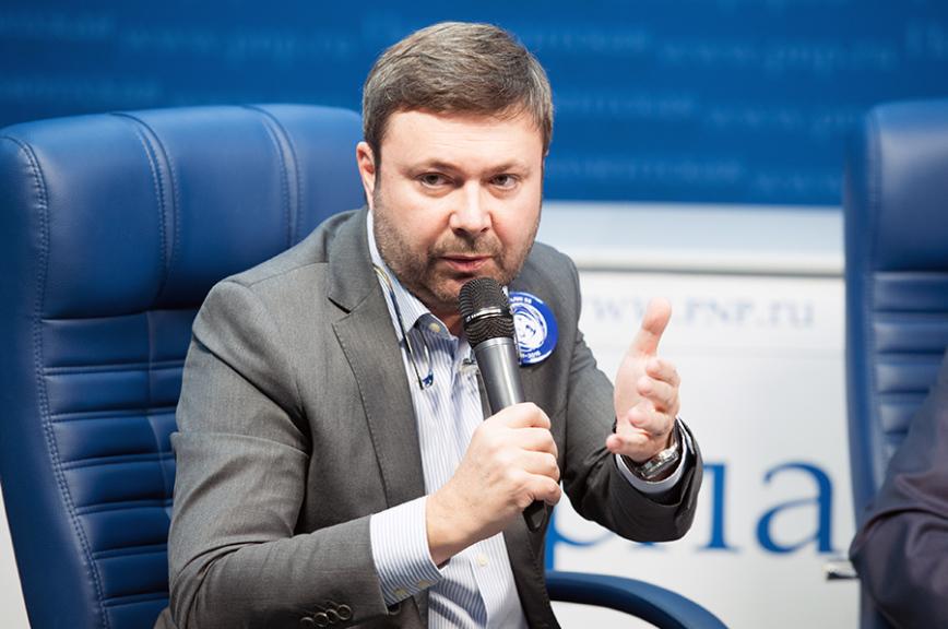 Игорь Буренков