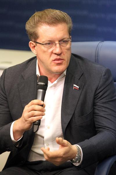 Антон Жарков