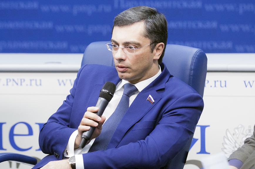 Видеоинтервью сдепутатом Владимиром Гутенёвым