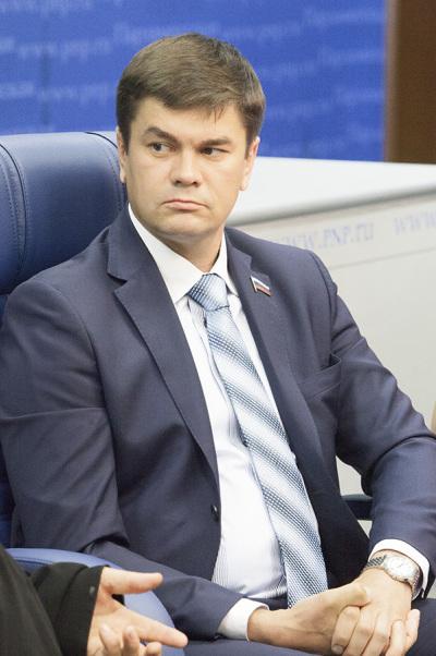 Дмитрий Коньков: Нестоит разделять интересы детей и семьи
