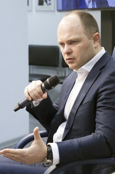 Антон Цветков: Киев непредпринимал адекватных попыток договориться смирными протестующими
