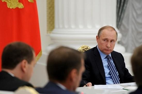 Владимир Путин: неморочить голову людям, а показать результаты