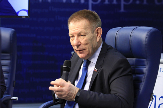 Николай Герасименко: Наввозимые из-заграницы сильнодействующие лекарства надоиметь рецепт