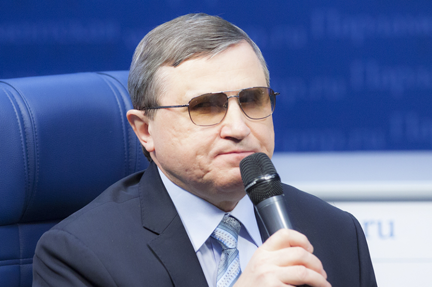 Россия нуждается вновой модернизации, считает коммунист Олег Смолин