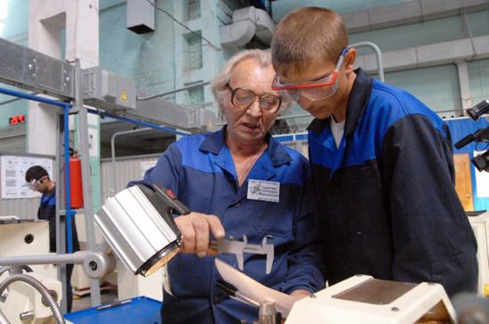 Квалификацию работников проверят добровольно
