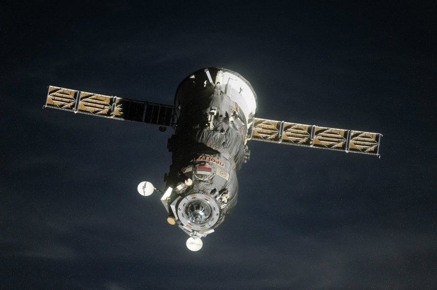 Роскосмос: Сходящий сорбиты космический грузовик «Прогресс» непредставляет угрозы для МКС