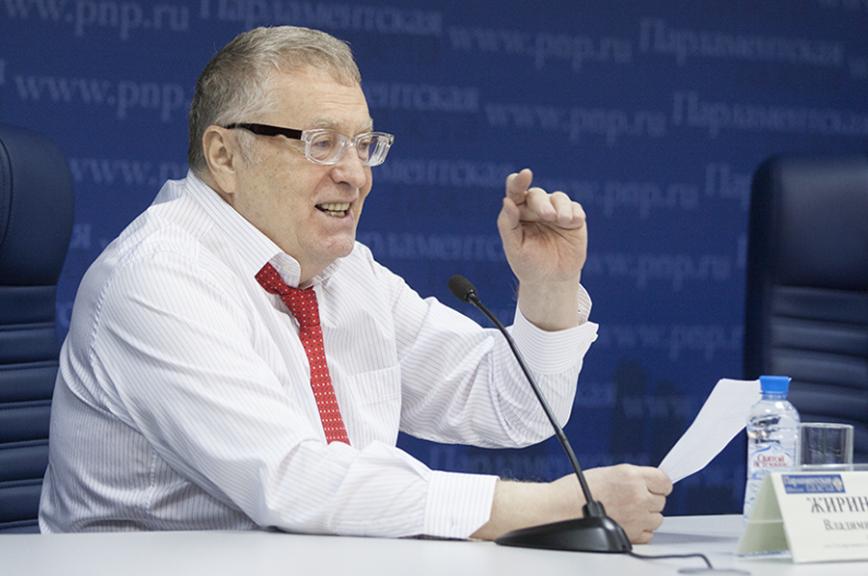 Жириновский оставил вмузее «капсулу времени» спрогнозами на 20 лет