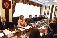 Верхние палаты парламентов России и Уругвая подписали соглашение о сотрудничестве