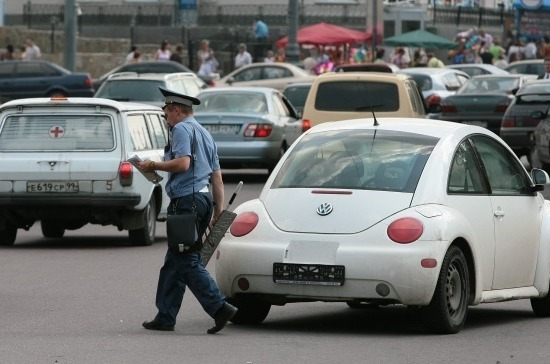 В ГИБДД надеются, что Госдума примет закон о жалобах на нарушения ПДД со смартфона до конца года