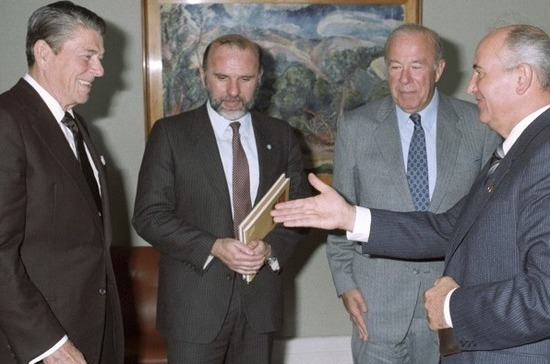 Стратегическое отступление СССР началось с Рейкьявика
