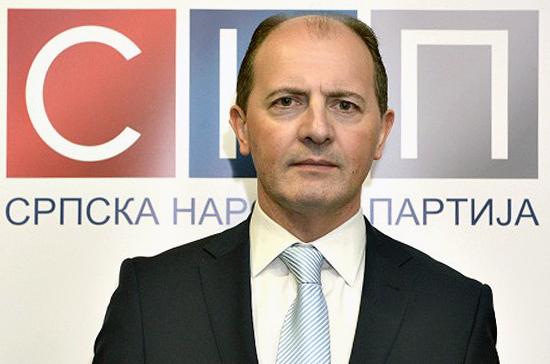 Сербия должна развивать отношения с Россией, а не стремиться вступить в Евросоюз