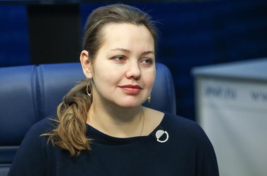 Анастасия Муталенко: губернаторы избавляются от БМВ