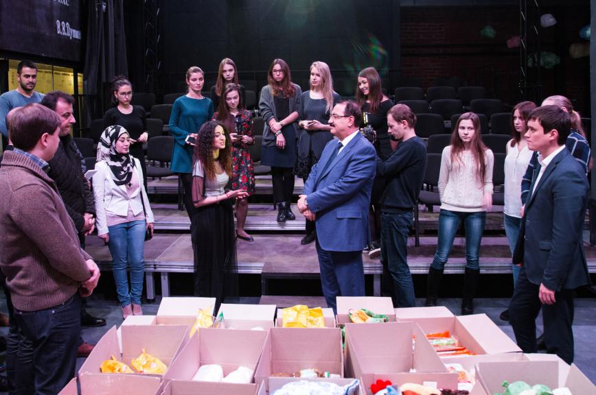 Студенты со всей России собрали более тонны гумпомощи для учащихся Сирии