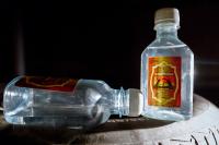 Производство «палёного» алкоголя хотят приравнять к наркобизнесу