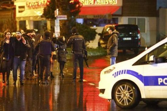 Жертвами нападения на ночной клуб стали 35 человек — губернатор Стамбула