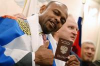 Россияне одобрили предоставление гражданства зарубежным артистам и спортсменам