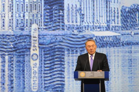 Назарбаев: Казахстан вступает в третий этап модернизации