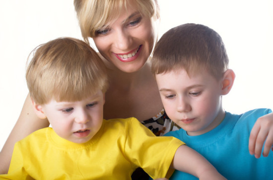 Пора рожать? Социологи афишировали средний возраст молодой мамы в РФ