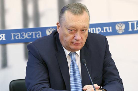 Тюльпанов предложил давать дополнительный отпуск сделавшим прививку отгриппа
