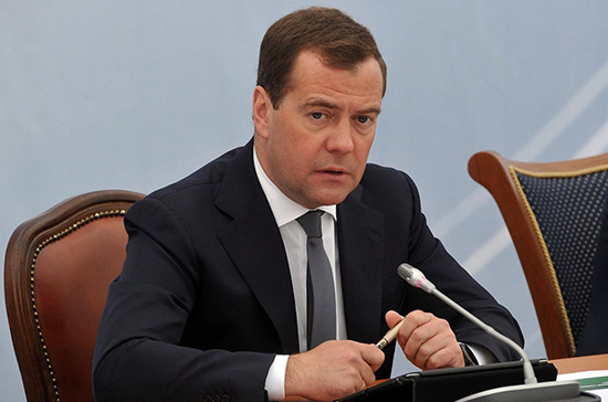 Медведев: гособоронзаказ изготовлен нарекордном уровне, такого еще небыло