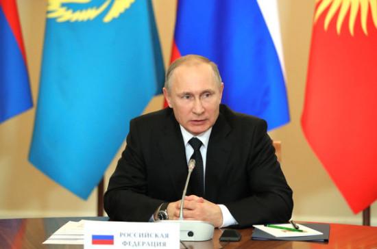 А.Атамбаев поздравил Г.Бердымухамедова спереизбранием напост президента Туркменистана