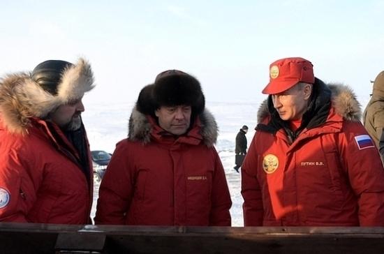 Путин высек осколки изледника наострове Земля Александры для научных исследований