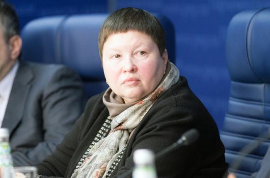 В Общественной палате РФ выступили против сокращения дежурных по эскалатору в метро