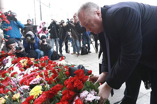 Губернатор и руководитель ЗакСа выразили сожаления всвязи скончиной Вадима Тюльпанова