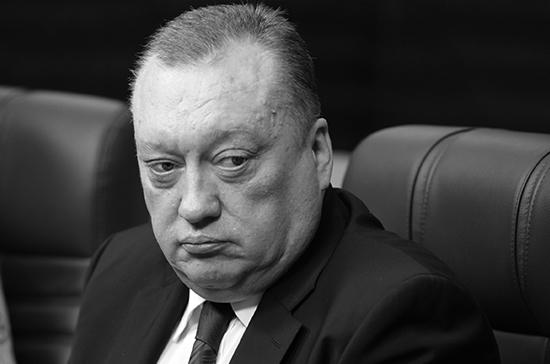 В Санкт-Петербурге прощаются с сенатором Вадимом Тюльпановым
