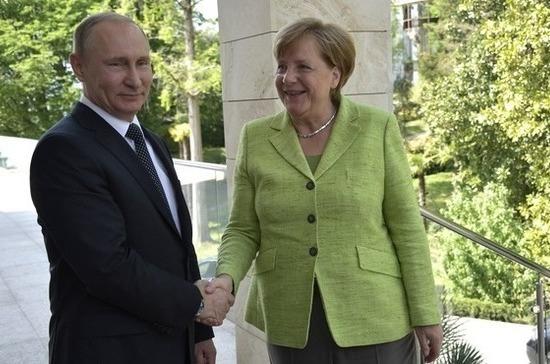 Путин: Российская Федерация никогда невмешивается вполитическую жизнь остальных стран