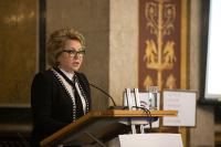 Валентина Матвиенко приняла участие в возложении венков на Пискаревском мемориальном кладбище