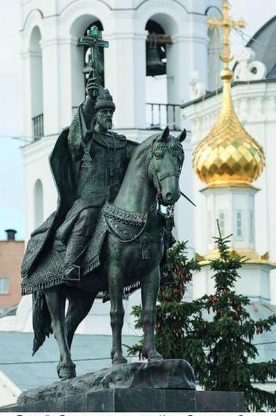 Страсти  по царю и по монументам