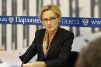 Яровая назвала типуном на язык для украинцев запрет Киева на российские каналы