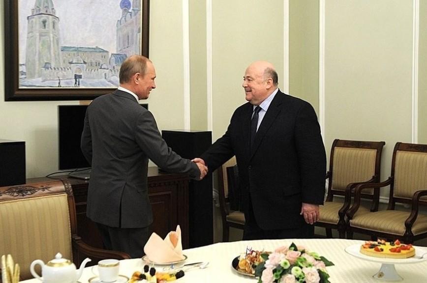 Путин поздравил народного артиста РСФСР Калягина с юбилеем