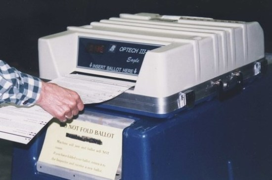 ВоФранции началось голосование вовтором туре парламентских выборов